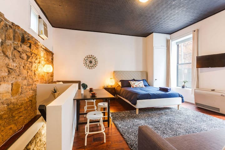 Greenwich Village/ Noho Duplex Flat! Bright, Luxe