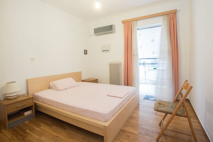 3 bedrooms and 3 bikes @ Chrysoula's place!! - Kalamata - Apartemen