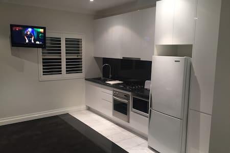 Renovated Private Studio Apartment - Matraville - Apartament