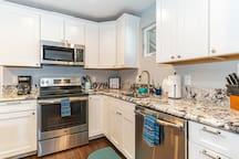 Fully stocked kitchen (pots, pans, blender, crockpot, etc.)