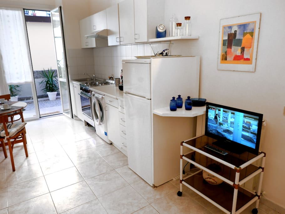 zona giorno, TV, cucina