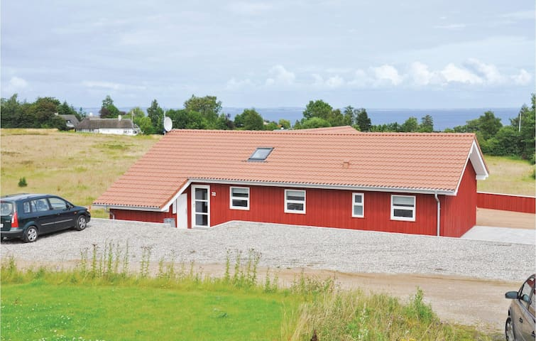 Holiday cottage with 4 bedrooms on 138m² in Augustenborg