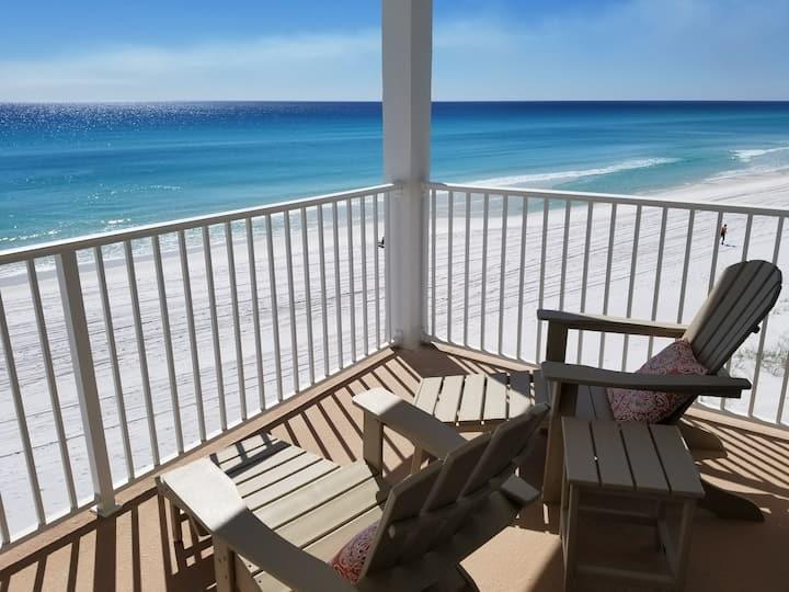 Beachfront Balcony King+2 twin
