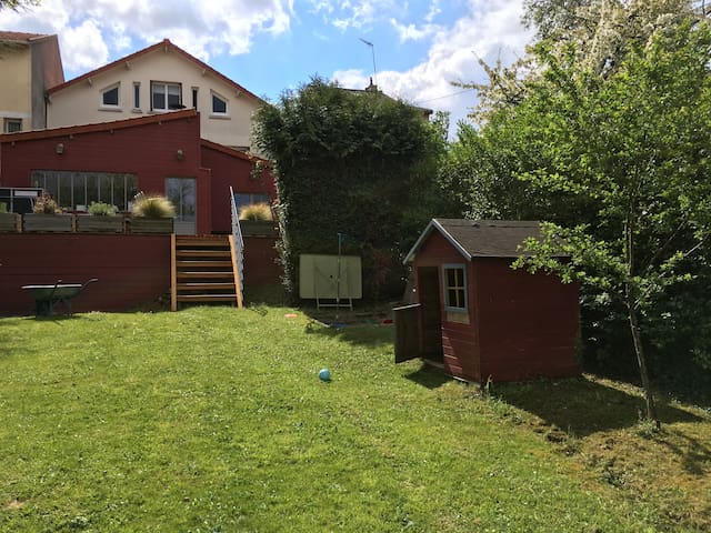 Charming House with terrace &garden - Nanterre - Dom