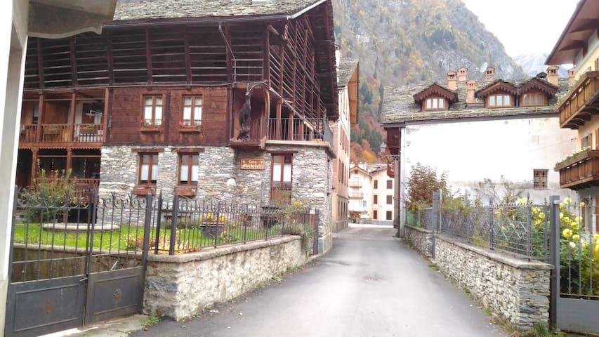 Nutshell stanza  baita Valsesia - Riva Valdobbia - Casa