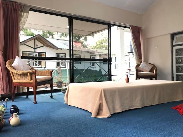 四人宿舍的一个床位/Dormitoryjuly 七月
