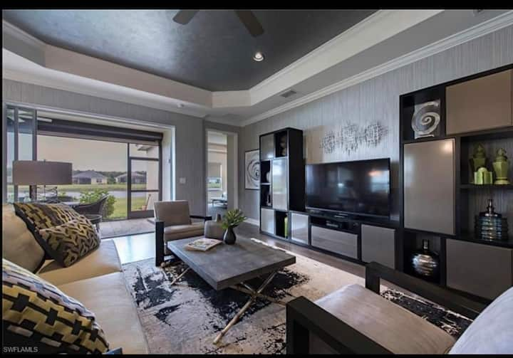 Formal model with designer touches, Great location