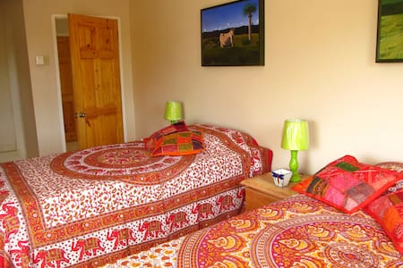 JackSprat Bed & Breakfast - Treasure Beach - Bed & Breakfast