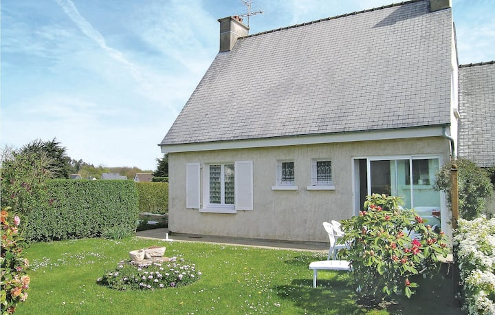 Beautiful home in Louannec with 2 Bedrooms