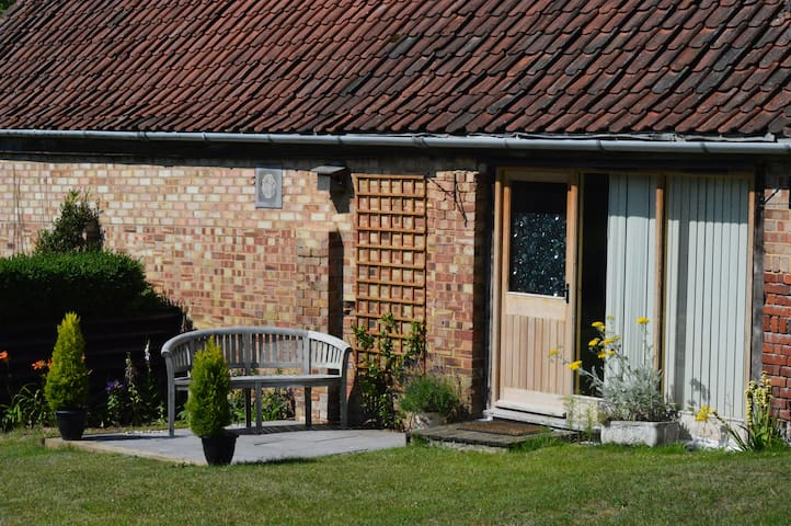 The Nook - private, cosy studio on Norfolk Broads.