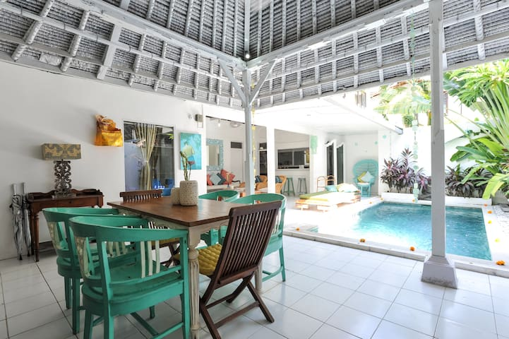Private Family Villa & Pool 66Beach BALI Indonesia - Legian - วิลล่า