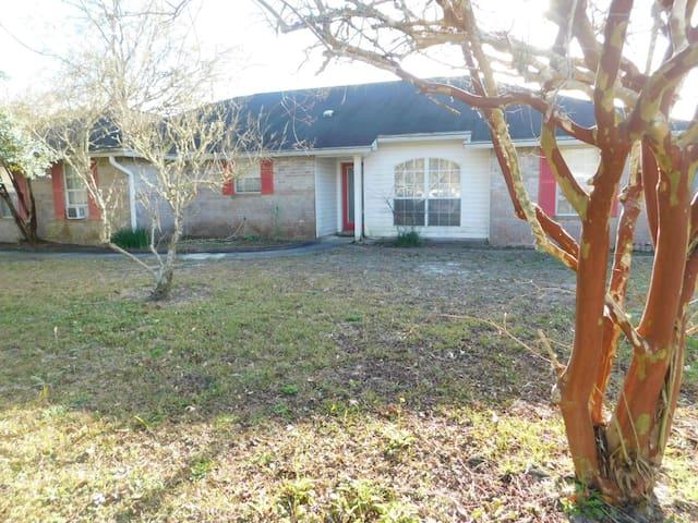 Large 3/2 Private Home near NAS & Perdido Key