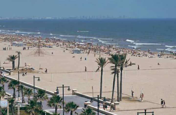 Beach Malvarossa  ( Playa) Valencia capital 3