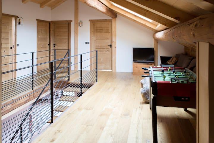 Mezzanine / playroom