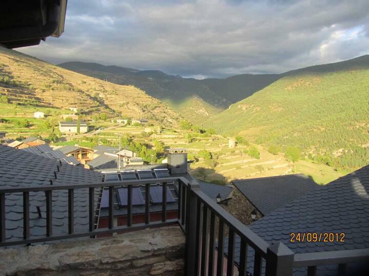 Ca l,escuder, casa de piedra en Pirineo Lleida