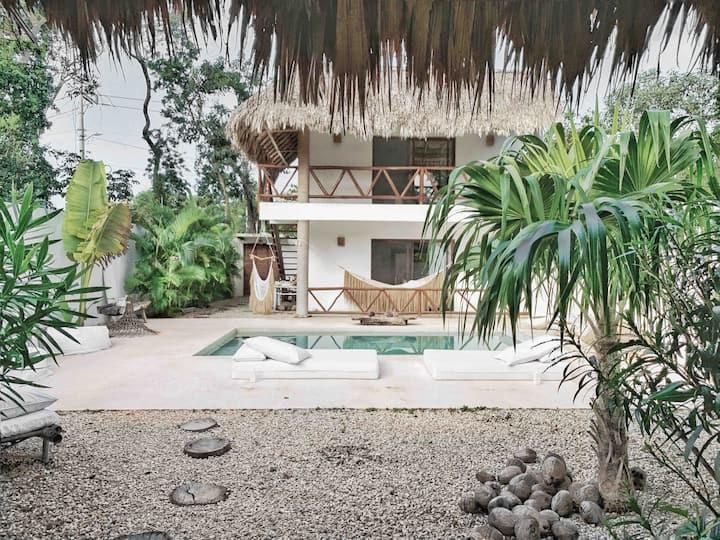 VILLA COCONUT 4 suites + a pool