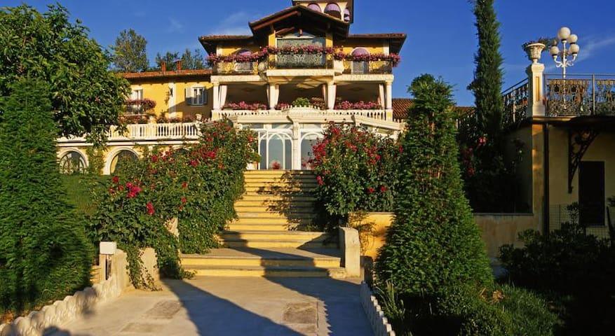 Villa Althea - Mango - Villa