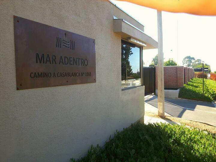 Linda casa nueva en Algarrobo, Condominio/piscina