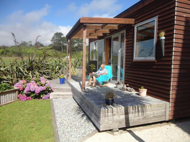 Cosy seaside cabin - Hokitika