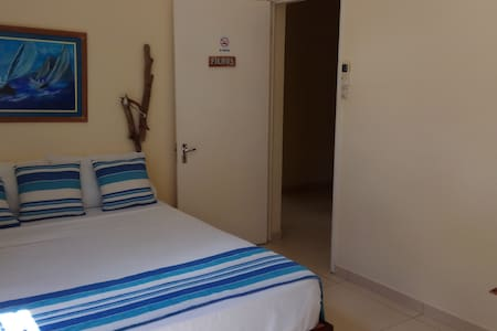 your comfortable room in very well situated villa - Black River - Villa