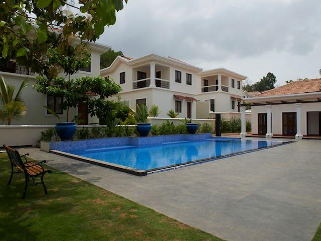 Premium 3BR Villa with Pool View #18 - North Goa - Villa