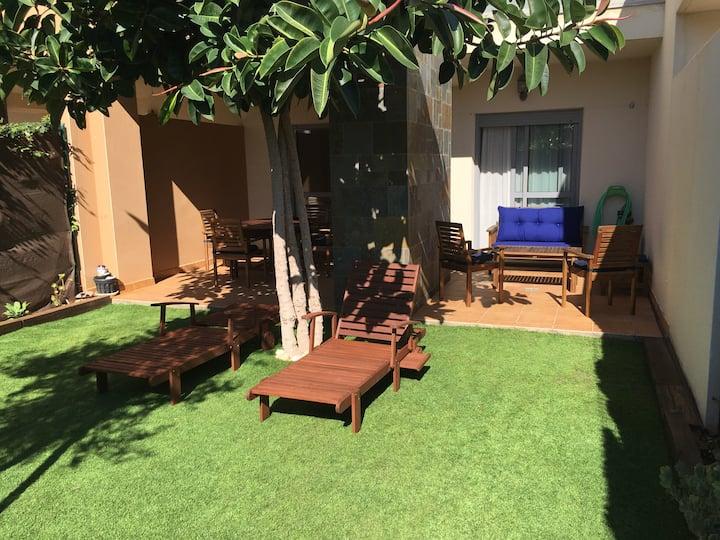 golf&beach aptm ground floor+private garden+wifi