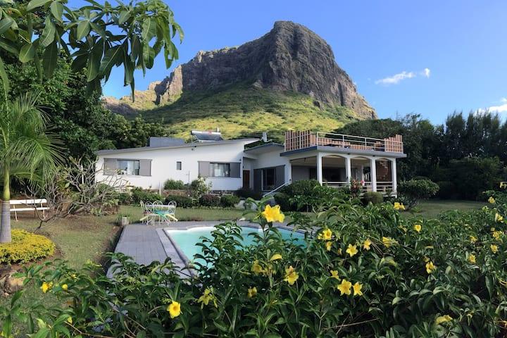 Casa Meme Papou - modern villa with seaview + pool