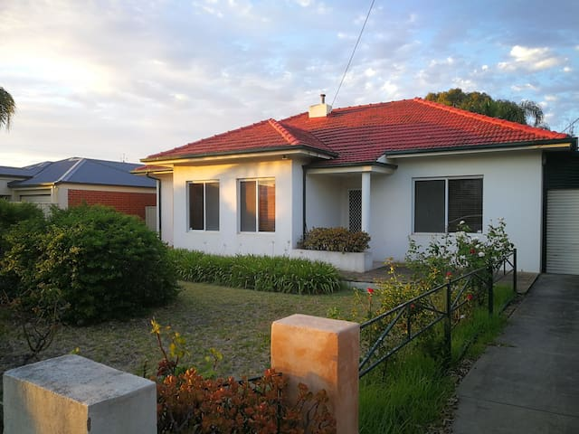 Affordable family home between city and bay