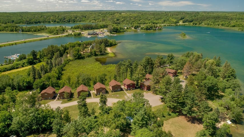 Leech Lake Cabin/Spectacular Views, Quiet Beaches and a Private Deck!