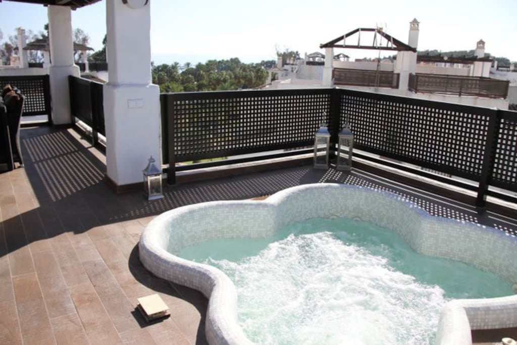 Hot tub with sea view...