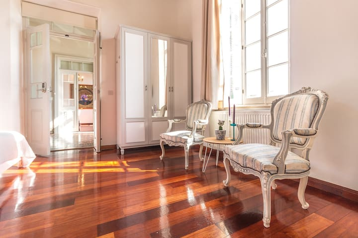 Luxury 1BDR accommodation in down town Nicosia