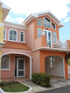 Modern home in Aguadilla,w/16K Generator/Water res
