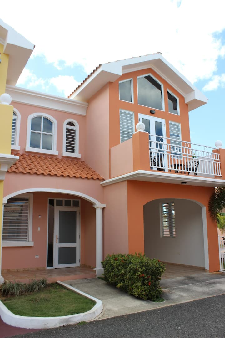 Modern home in Aguadilla,w/16K Generator/Water res