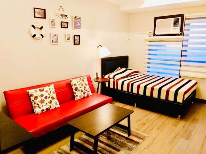 Best Staycation For Lovely Couple w/ free POOL&GYM