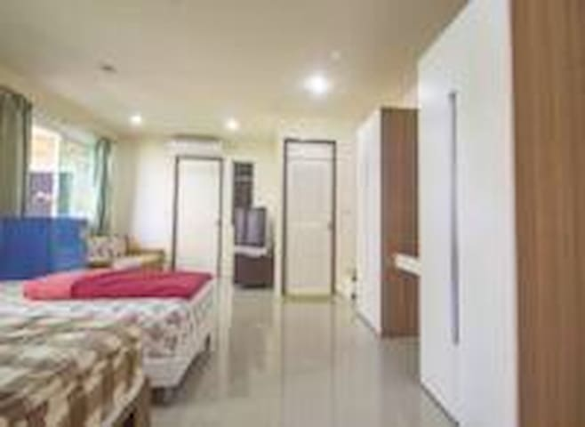 Charming  Family Stay by NU Airport Residence