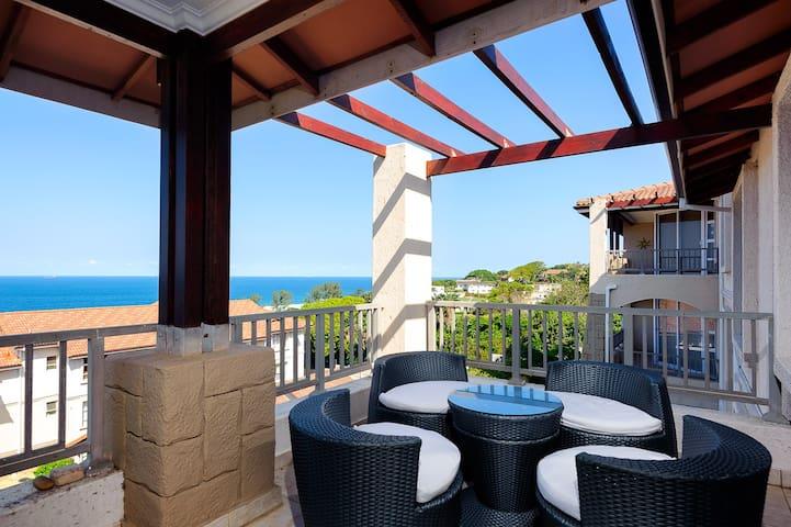 3 Bedroom Sea View Apartment