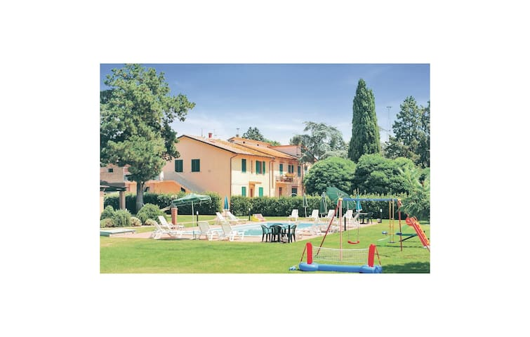 Holiday apartment with 2 bedrooms on 50 m² in Castiglione d.Lago PG