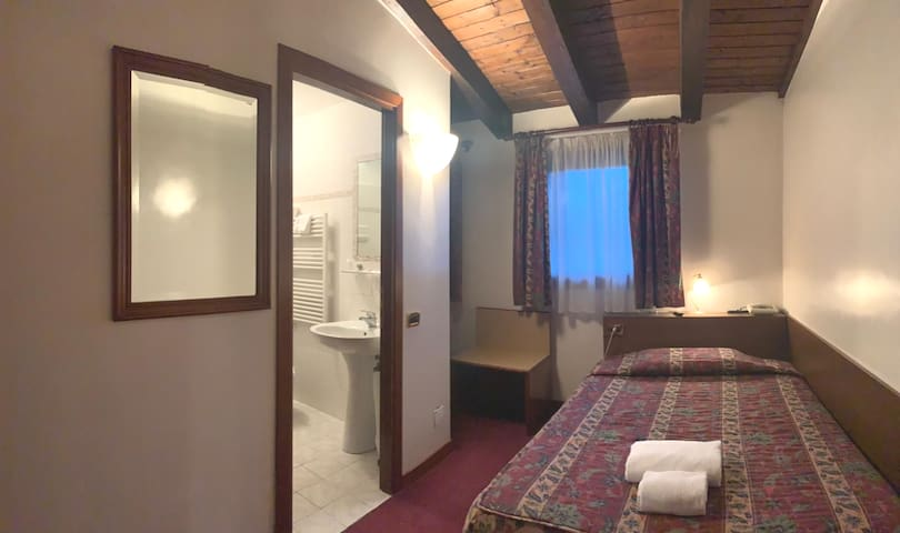 Single Room in Hotel Villa Sara