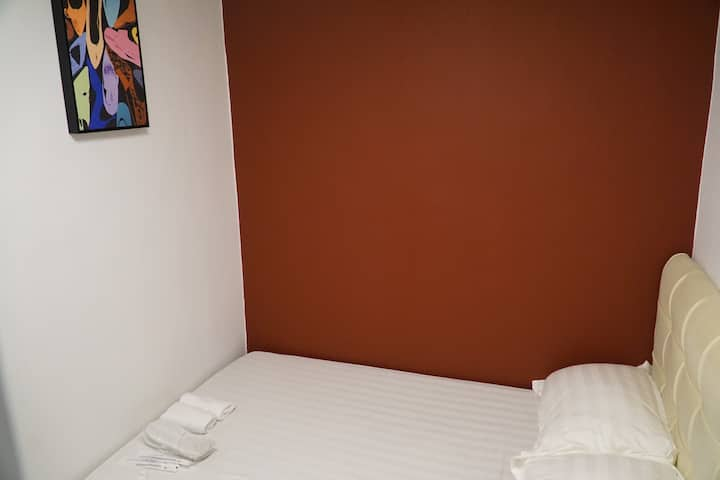 紅館客棧 Spin Hotel 3 - 標準雙人床房 Double bed room*** 全新裝修