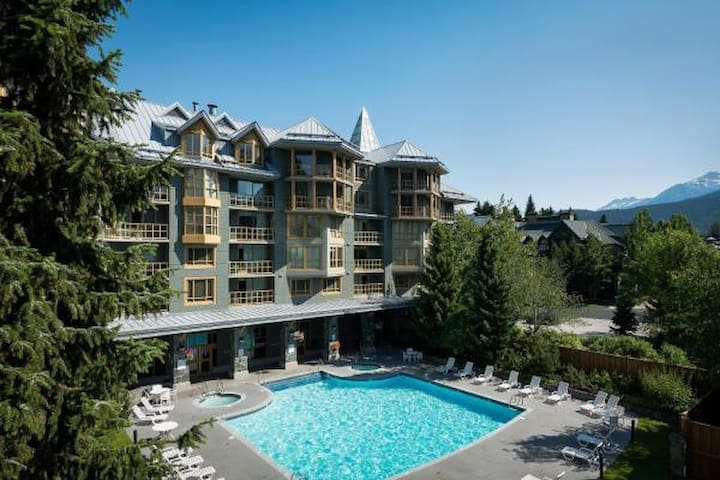 Spacious one bedroom suite in Whistler - 532