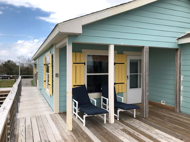 New Orleans Lake House  20 mi from City Center