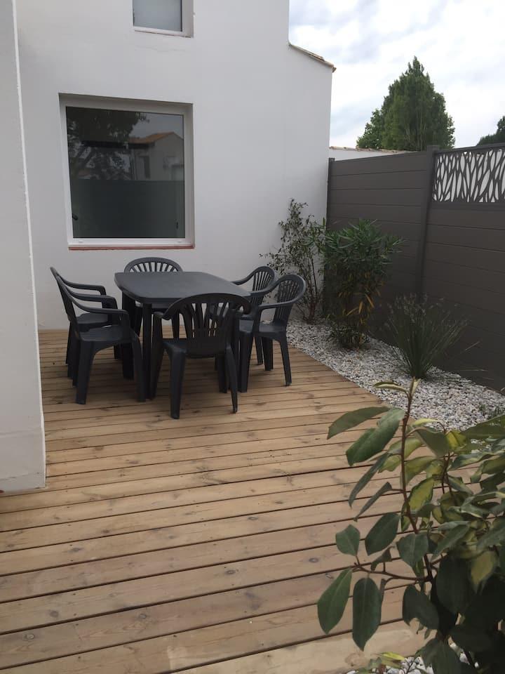 Appartement de plein-pied avec jolie terrasse
