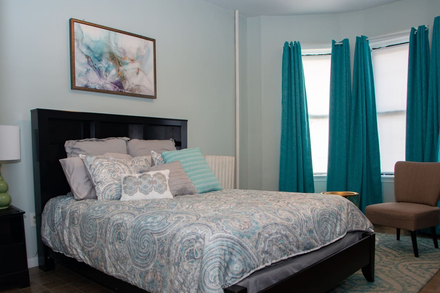 Unwind in this peaceful, relaxing bedroom equipped with ample heating, natural light, and lots of channels and Netflix/Hulu choices to choose from!