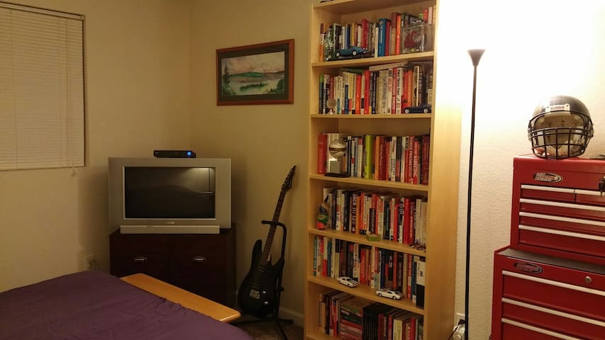 Nice Room, Close to Everything - Kirkland - Wohnung
