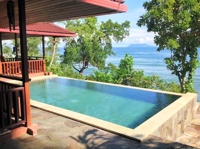 Beach Villa Robinson, Manado, Bunaken