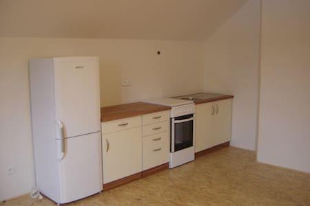 Byt v soukromí, dostupnost Praha, Benešov - Čerčany - 公寓