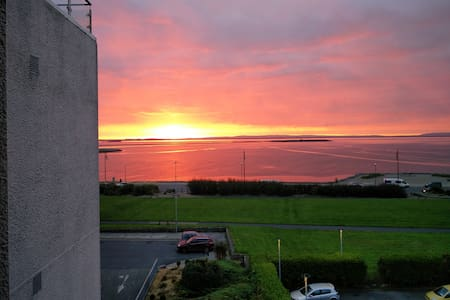 Salthill Modern Sea View Apartment - Galway - Wohnung