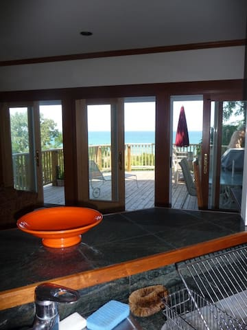 Amazing Lake Views for 17- 4 decks-Memorial D open - Michigan City - Huis