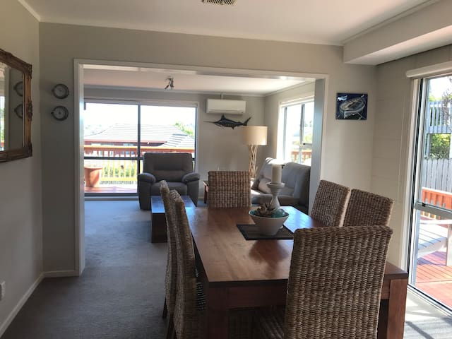 Spacious apartment close to beach