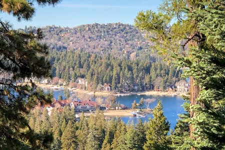 Peaceful Cozy Cabin with View of Lake Arrowhead